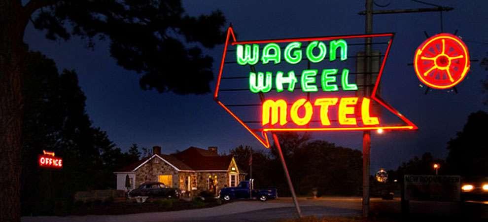 Wagon Wheel Motel, Cuba